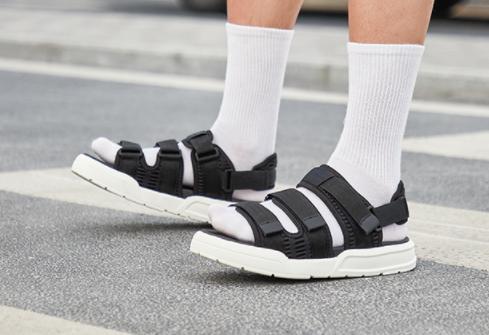 夏季新款透气沙滩鞋男士鞋子情侣运动鞋户外休闲鞋